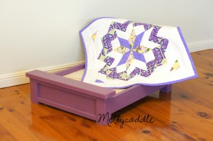 Dolly Bed with Star Surround Quilt