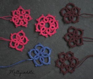 Needle Tatting some simple flowers