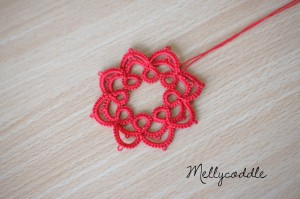 Another Tatting Flower with extra Chain