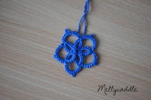 Simple flower pendant